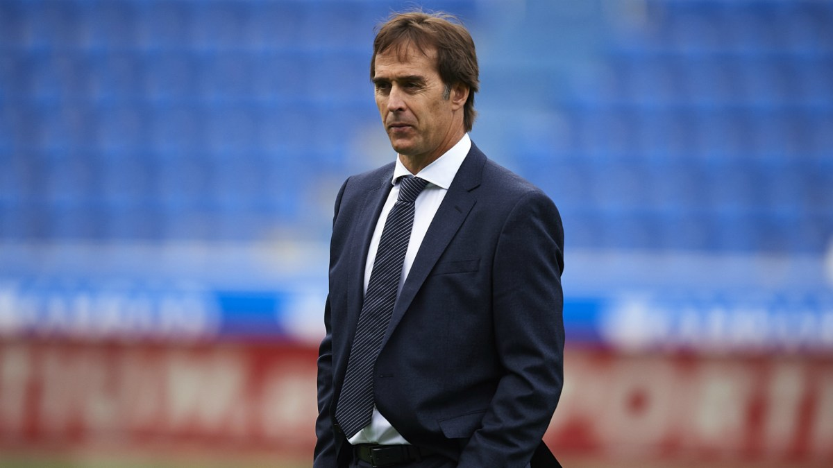 Madrid fans: Lopetegui OUT!